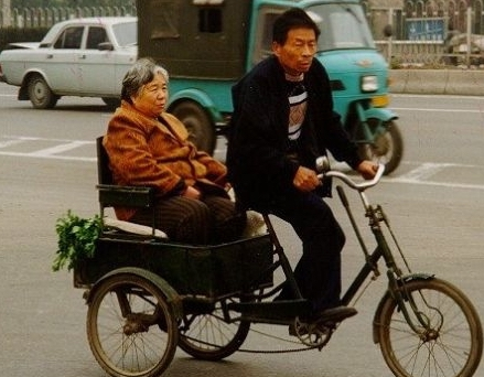 chinese-cyclist-with-grandma